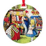 SQ ALICE QUEEN.png Round Ornament