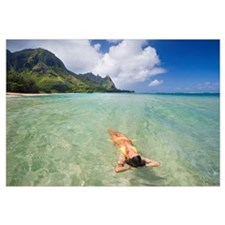 Hawaii, Kauai, Tunnels Beach, Woman Floating In Th