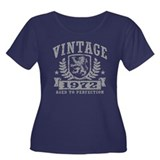 Vintage 1972 Women's Plus Size Scoop Neck Dark T-S