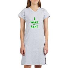 Wake and Bake Bong Women's Nightshirt