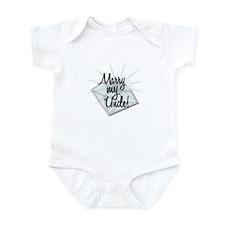 """""""Marry my Uncle"""" Infant Bodysuit"""