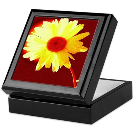 Hot Daisy Keepsake Box