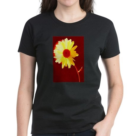 Hot Daisy Women's Dark T-Shirt