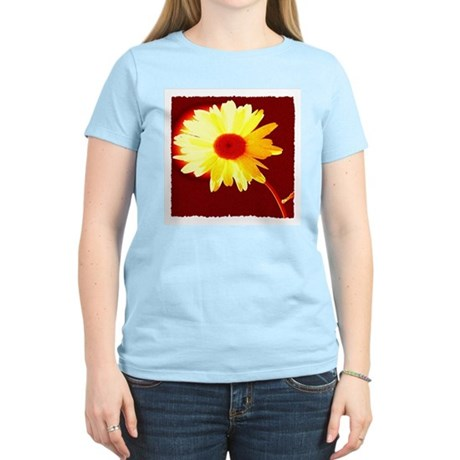 Hot Daisy Women's Pink T-Shirt