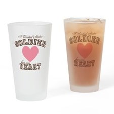 A U.S. Soldier has my heart Drinking Glass