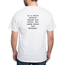 Linux Shirt Penguin on front. Qu