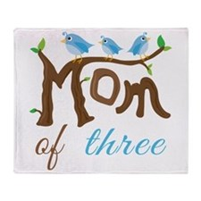 Mom Of Three (birds) Throw Blanket