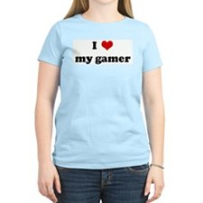 I Love my gamer Women's Pink T-Shirt