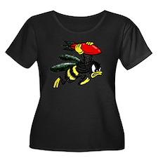 WWII Bee Women's Plus Size Dark Scoop Neck T-Shirt