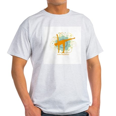 Get it Om. Half Moon Yoga Pos Ash Grey T-Shirt