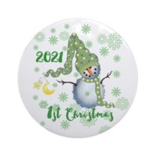 Winter Snowman 1st Christmas Ornament (Round)