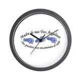 Madre de Tres Angelitos Wall Clock